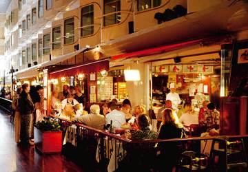 tallink_silja_silja_serenade_happy_lobster_restaurant